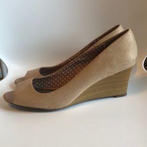 Dexflex Wedge Peep toe heels. Size 10.